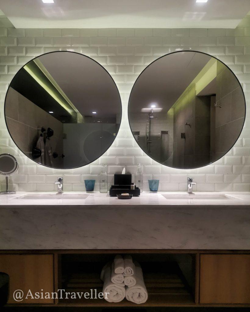 クロス チェンマイ リバーサイドのバスルーム