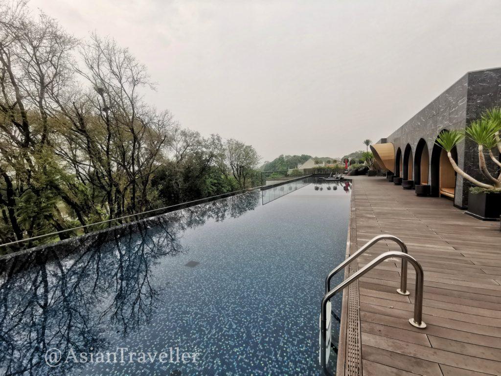 クロスチェンマイリバーサイドホテルのプール