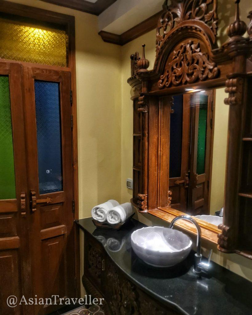 Pingviman Hotel チェンマイ バスルーム